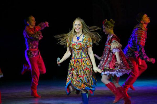 Марина Девятова на концерте
