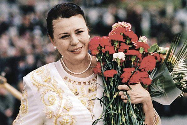 Валентина Толкунова начала свою вокальную карьеру с десяти лет