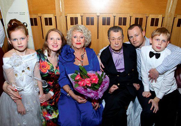 Людмила Поргина со своей семьей