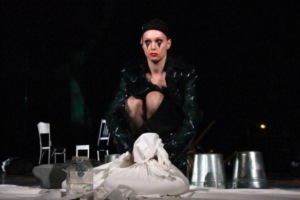 Александра Урсуляк на сцене театра