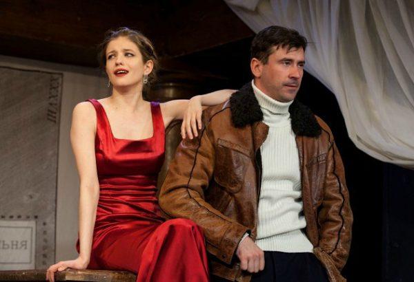 Евгений Миллер на сцене театра