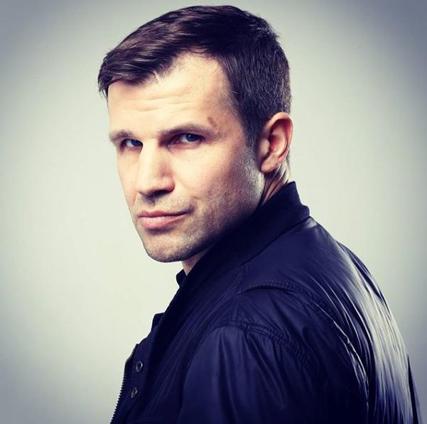 Актер Тимур Ефременков