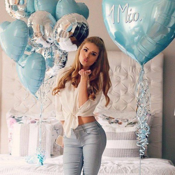 Красивая девушка Алена Краснова