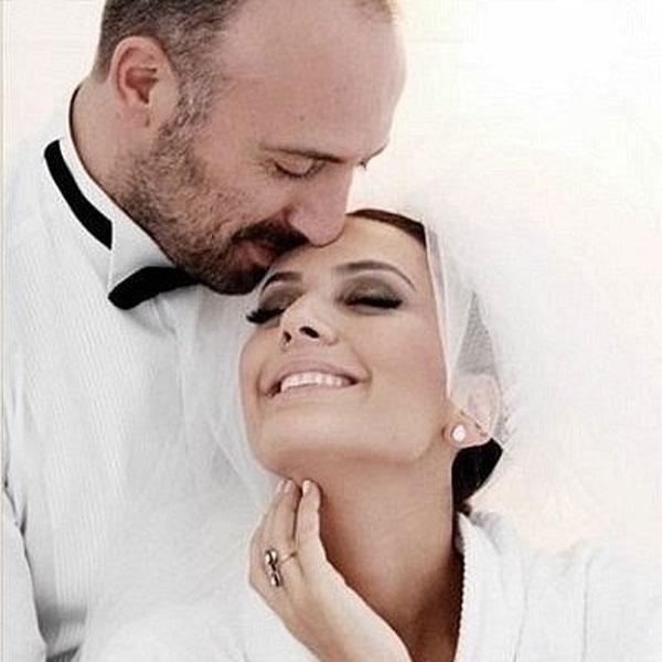 Халит Эргенч и Бергюзар Корель во время свадебной церемонии