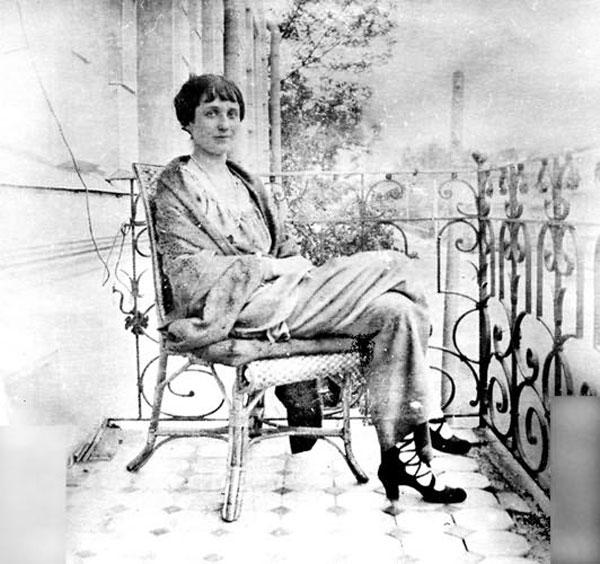 Анна Ахматова в царском селе