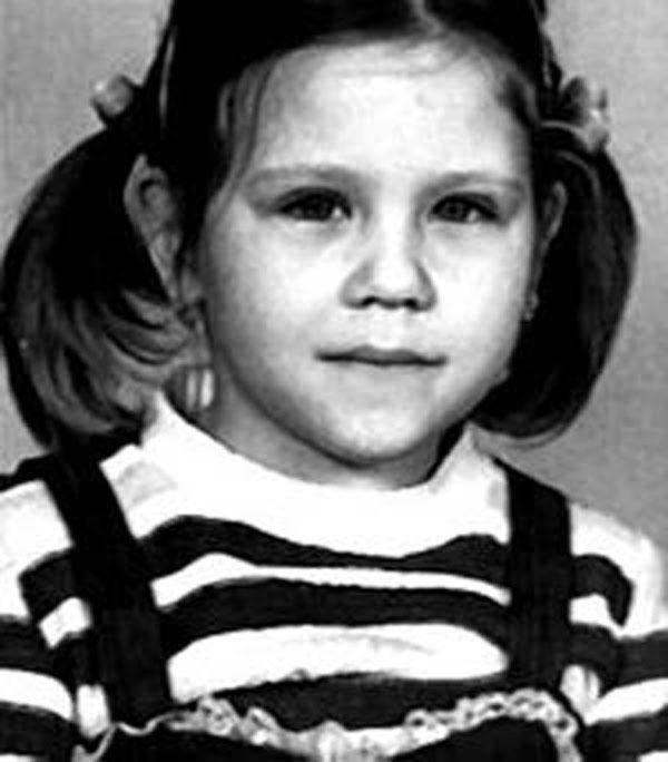 Настя Макаревич в детстве