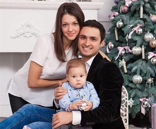 Игорь Ласточкин с женой и сыном