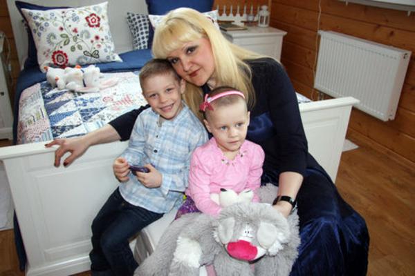 Маргарита Суханкина с детьми