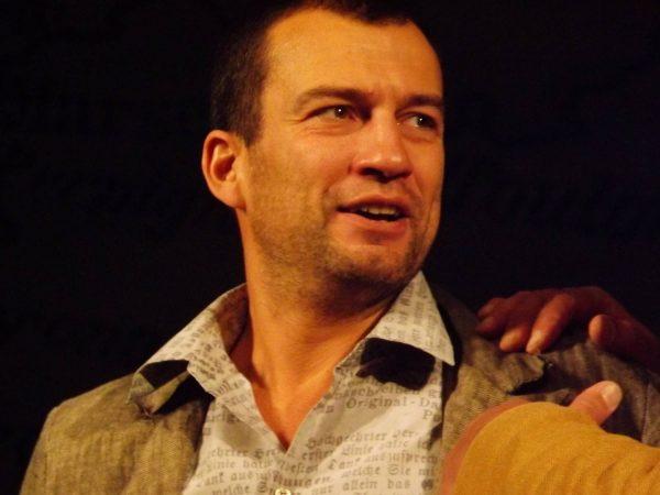 Актер в театре