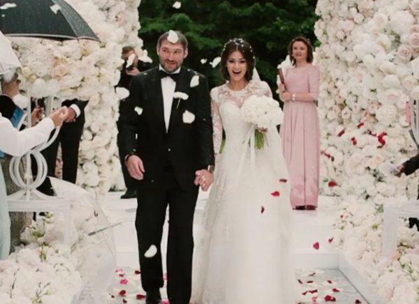 Анастасия Шубская и Александр Овечкин во время свадебной церемонии