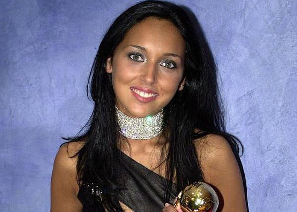 Певица победительница MTV Music Awards в 2001 году