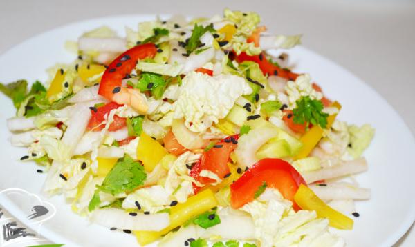 Салат из кальмаров с белой редькой
