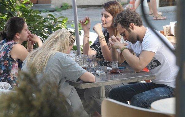 Между актером и его гражданской женой произошла ссора в местном кафе