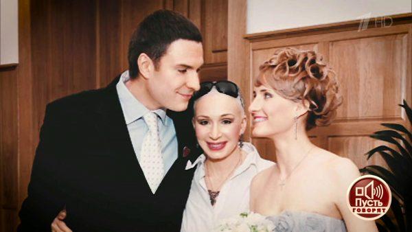 """Васильева с сыном и бывшей невесткой были приглашены на шоу """"Пусть говорят"""""""