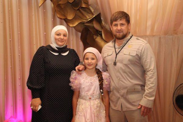 Политик с женой Медни Кадыровой