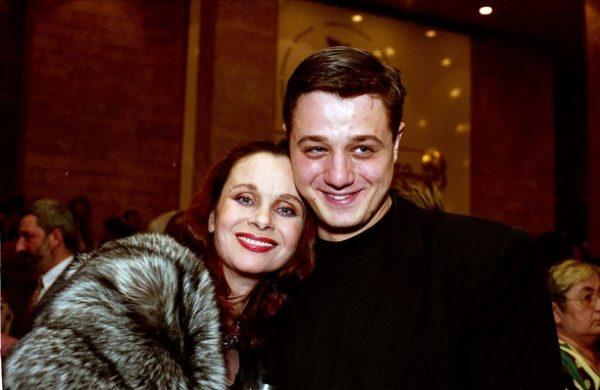 Со старшим сыном Алексеем Макаровым