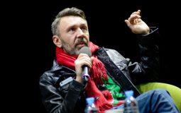 Сергей Шнуров поддержал уволенных проводниц