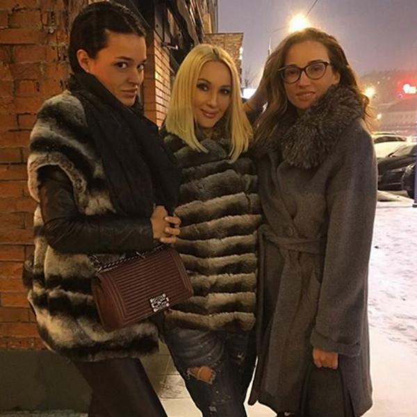 За жизнь Стеллы боролись ее близкие подруги Анфиса Чехова и Лера Кудрявцева