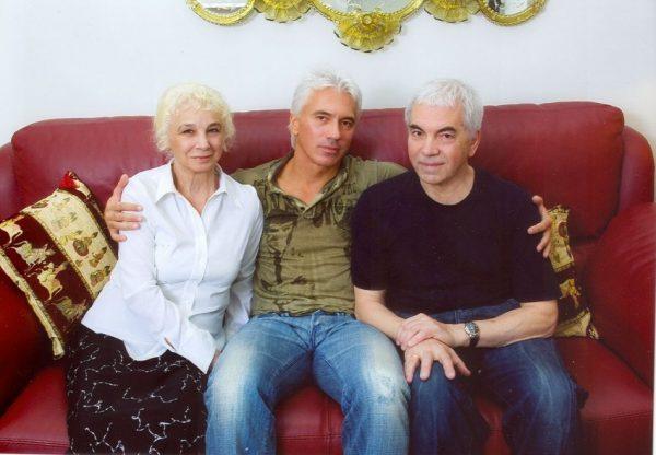 Дмитрий со своими родителями