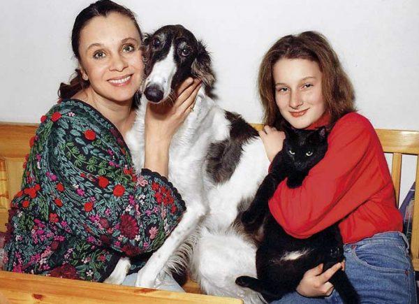 Мария Цигаль в детстве с мамой Любовью Полищук