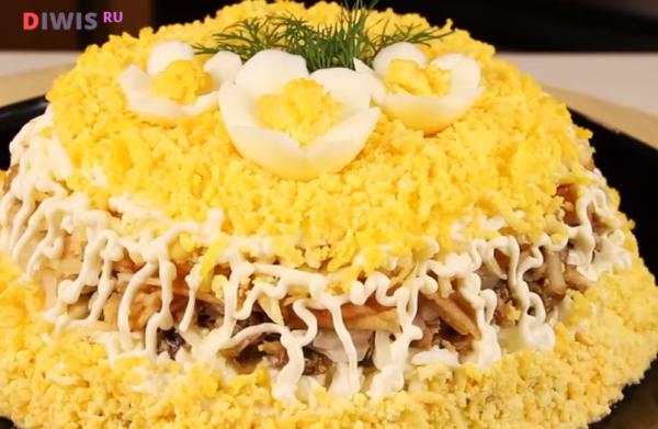 Чудо-салат на Новый год со шпротами