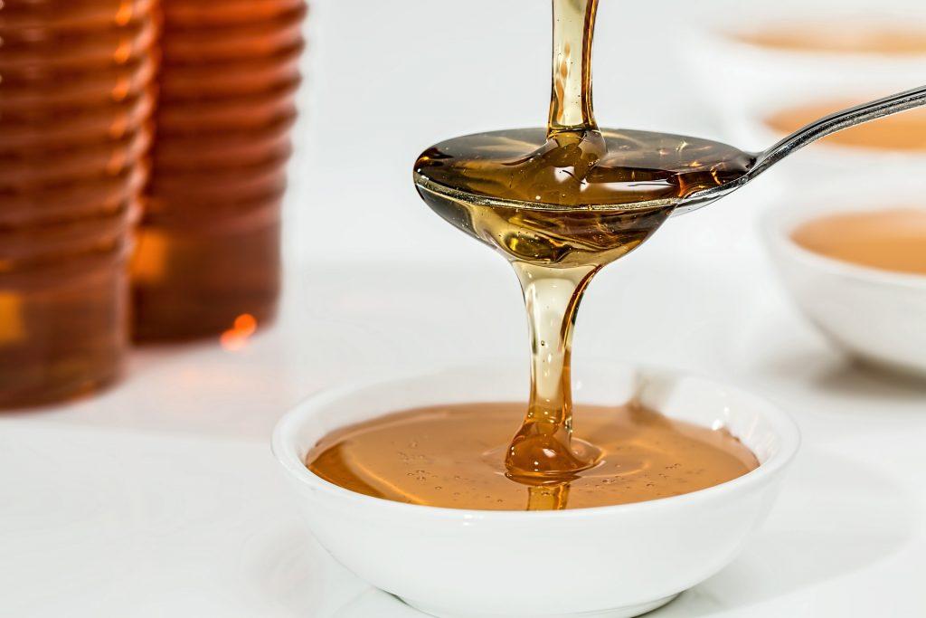 Медовые маски - очистка и омоложение кожи лица