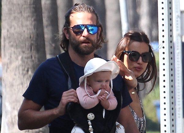 Ирина Шейк и Брэдли Купер на прогулке с дочерью