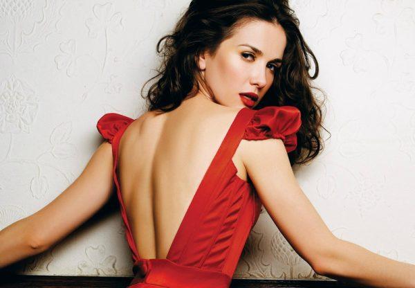 Наталью часто приглашают для съемок в рекламе одежды и косметики