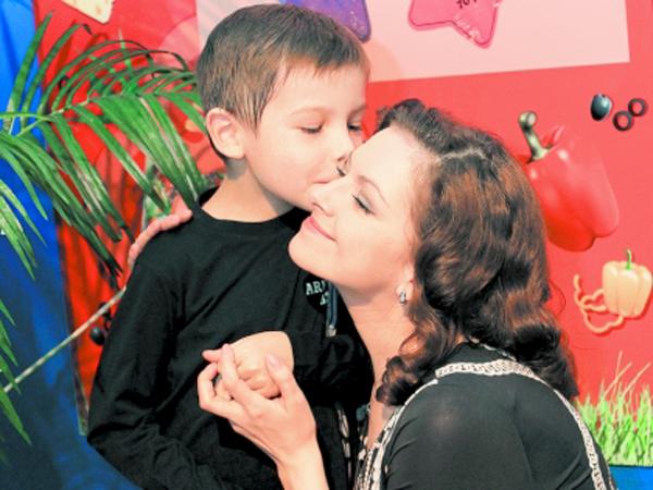 Наталья с сыном Ролланом