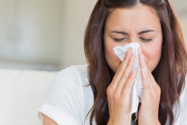 toux-chronique-symptome-ecoulement-nasal