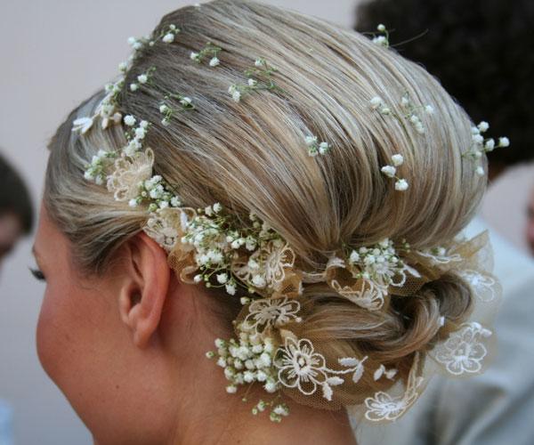 updos-long-hair-curls-image-uMVs