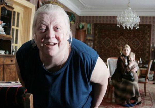 Не смотря на болезнь актриса продолжает сниматься в кино