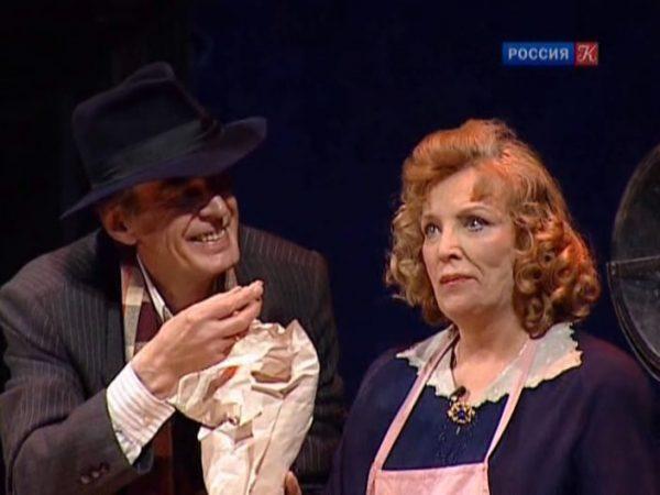 О. Остроумова в тетаре