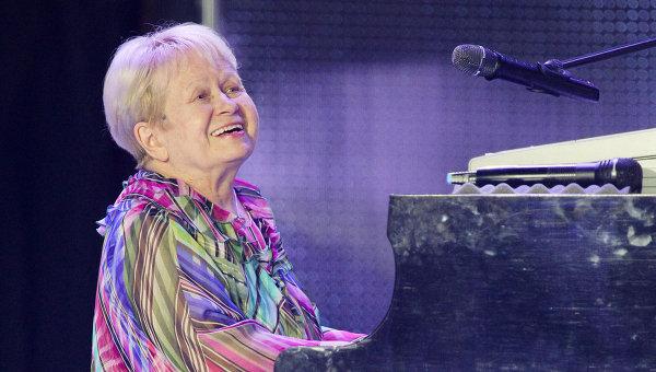 Александра Пахмутова празднует свой 87-летний День рождения