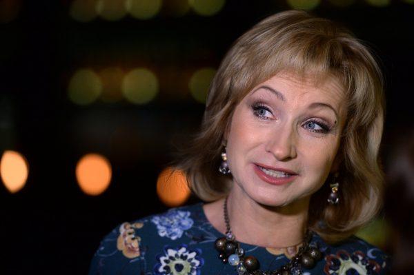 Фото актрисы О. Прокофьевы во время интерью