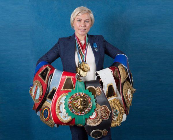 Наталья Рогозина - чемпионка по боксу, с многочисленными наградами