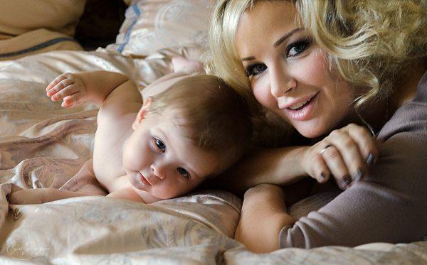 Мария Максакова с сыном