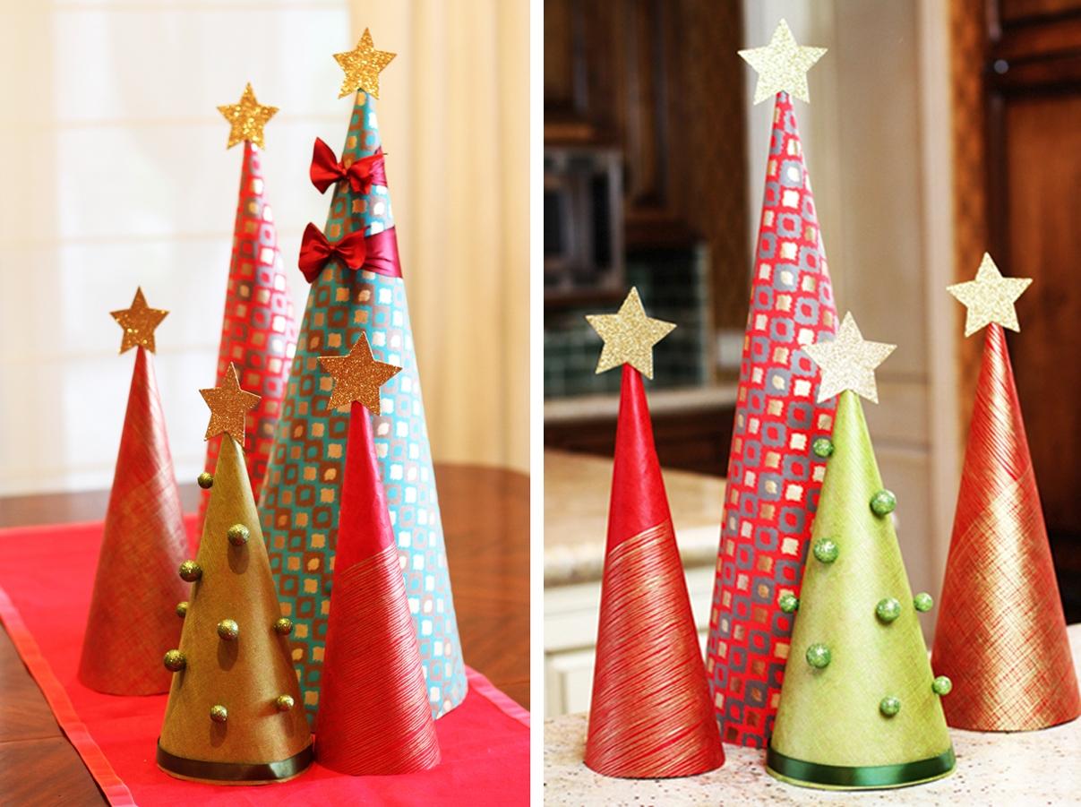 офисные столы и полки можно украсить декоративными новогодними колпачками