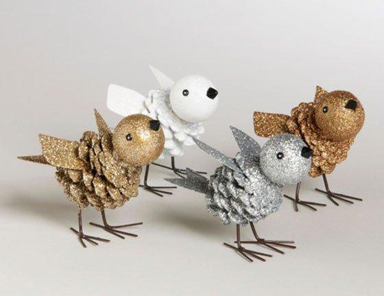 Птички из шишек и пластилина