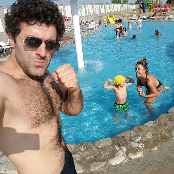 На отдыхе в Грузии Гурам был запечатлен с неизвестной девушкой