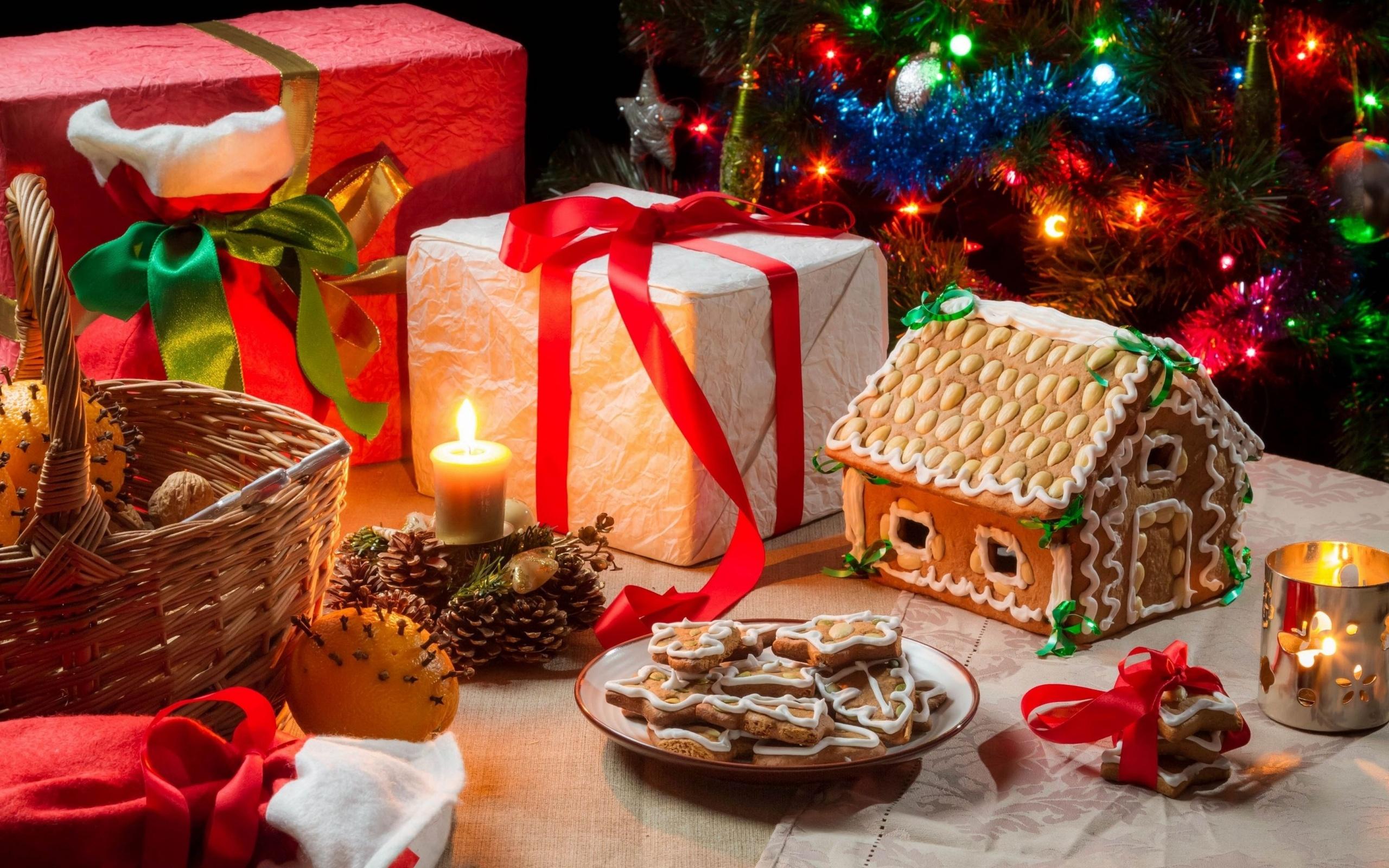 Помочь маме накрыть новогодний стол у нее в доме, также неплохой вариант подарка на новый год от дочки