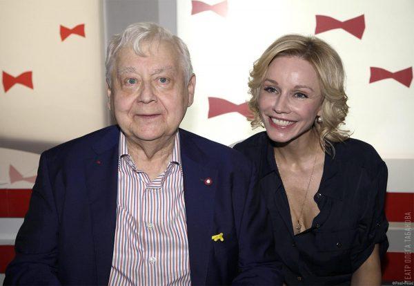 Олег Табаков сос 2 женой