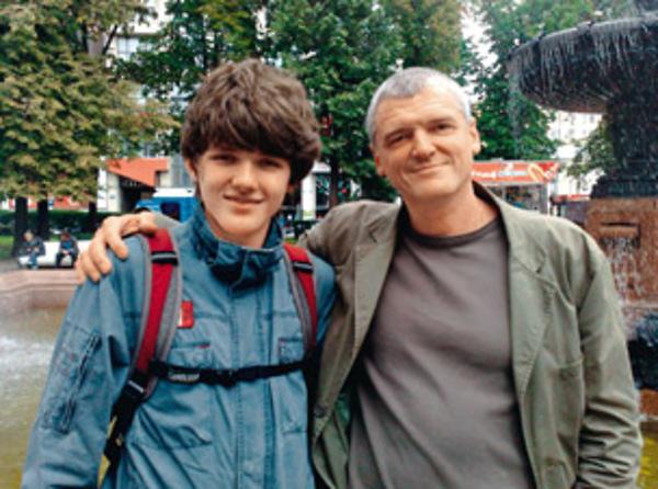 Сергей Плотников со своим старшим сыном