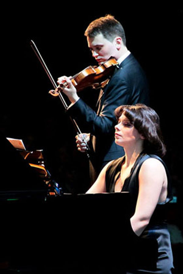 Екатерина Мечетина и Евгений Стембольский во время концерта