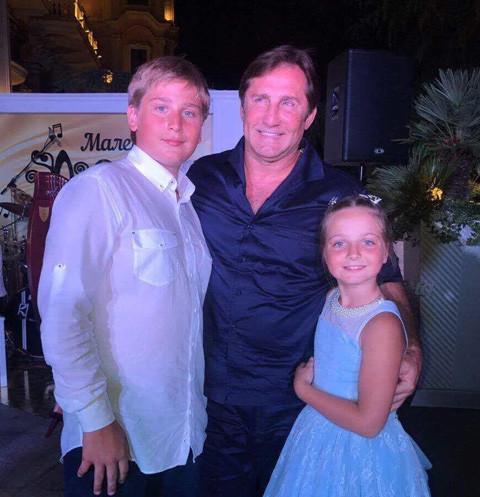 Владимир Тюрин с детьми