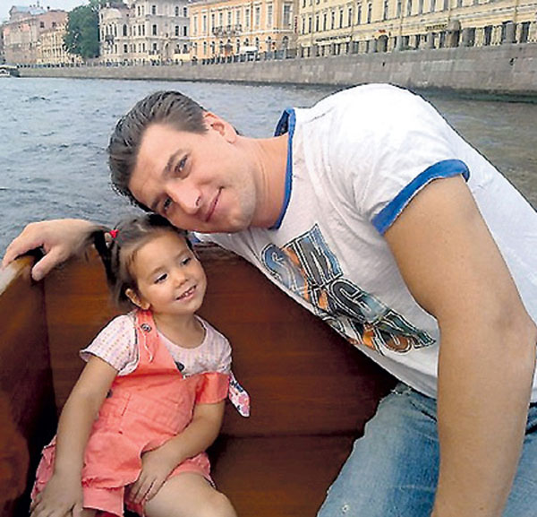 Александр Устюгов с дочерью