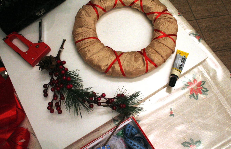 Подготовка основы рождественского венка