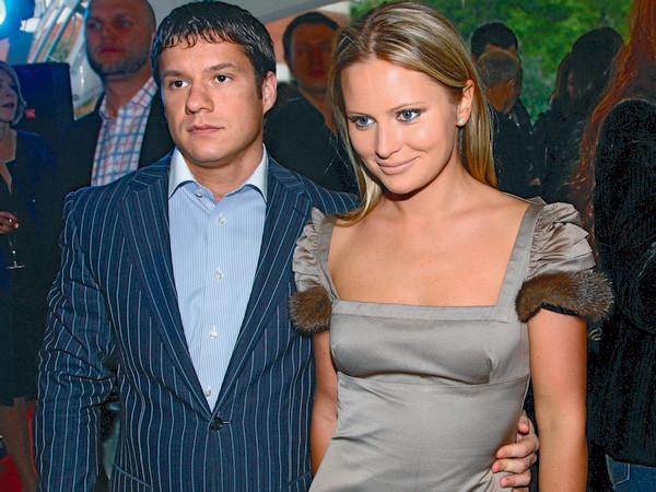 С бывшим мужем Максимом Аксеновым