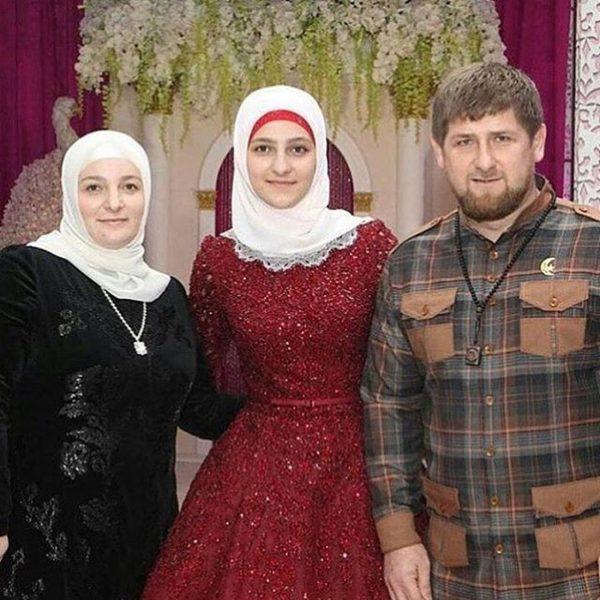 С женой и старшей дочерью