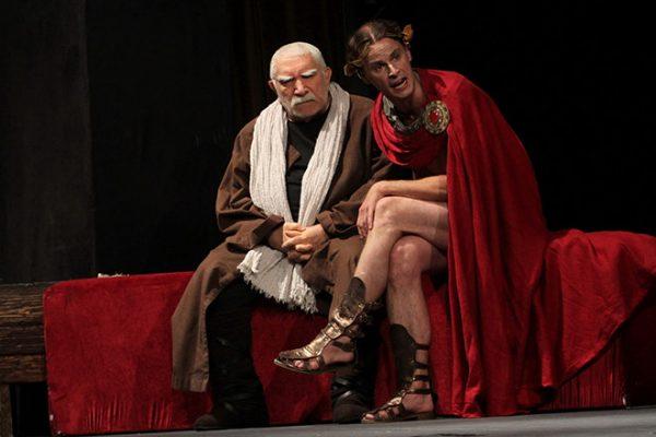 Джигарханян на сцене своего театра
